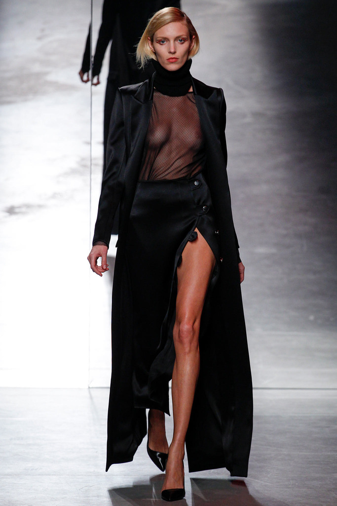 anthony-vaccarello-high-slit-skirt-grungecake-thumbnail