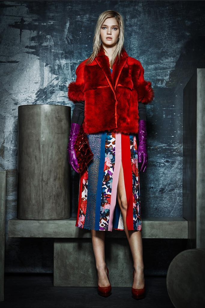 rachel-roy-red-fur-jacket-grungecake-thumbnail