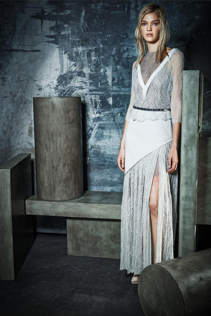 rachel-roy-white-lace-dress-grungecake-thumbnail