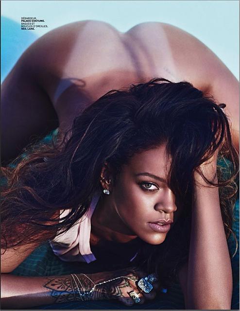 Rihanna-Lui-Magazine-Bottomless
