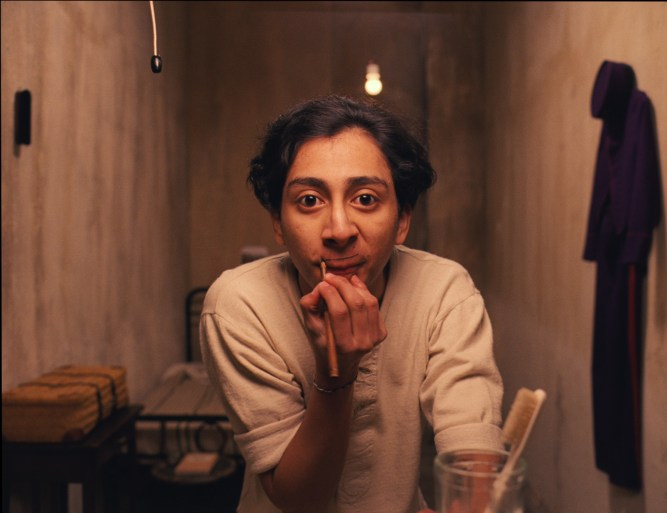"5 Reasons Why You Should Watch ""The Grand Budapest Hotel"""