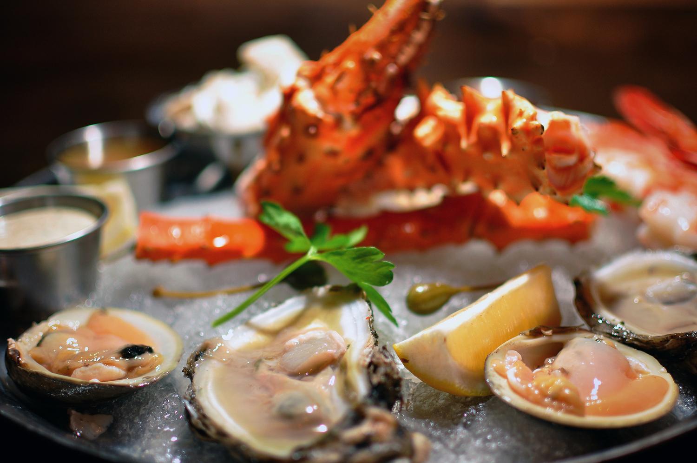 village-prime-seafood-plateau-grungecake-thumbnail