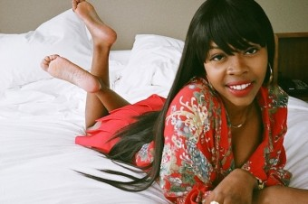 """A Purple-Lipped Tink Dazzles In Tazer's """"Wet Dollars"""" (Remix) Video"""