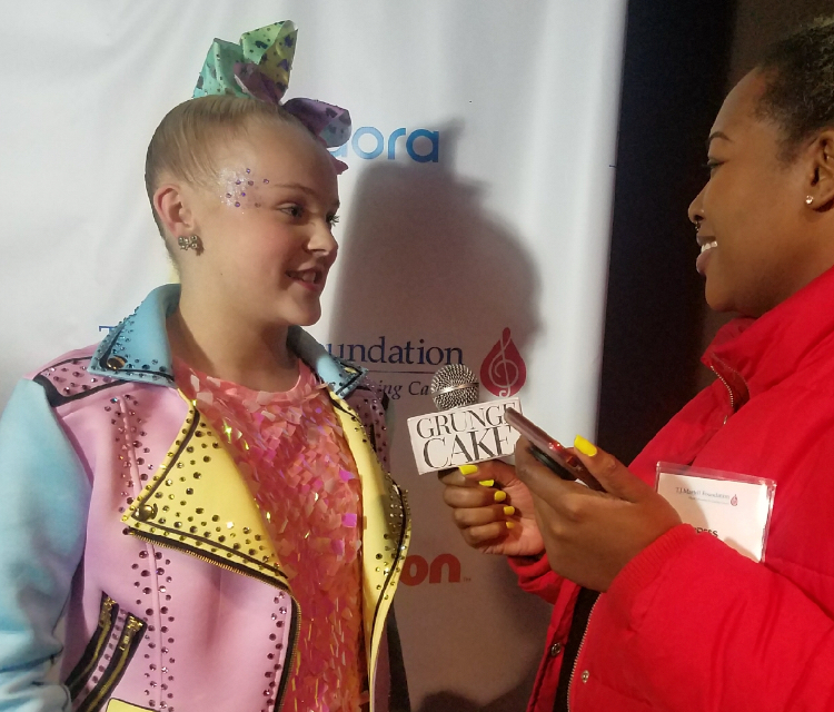 JoJo Siwa and Richardine Bartee, CEO of GRUNGECAKE